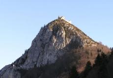 Ariège pays des cathares. Ici le château de Montségur.